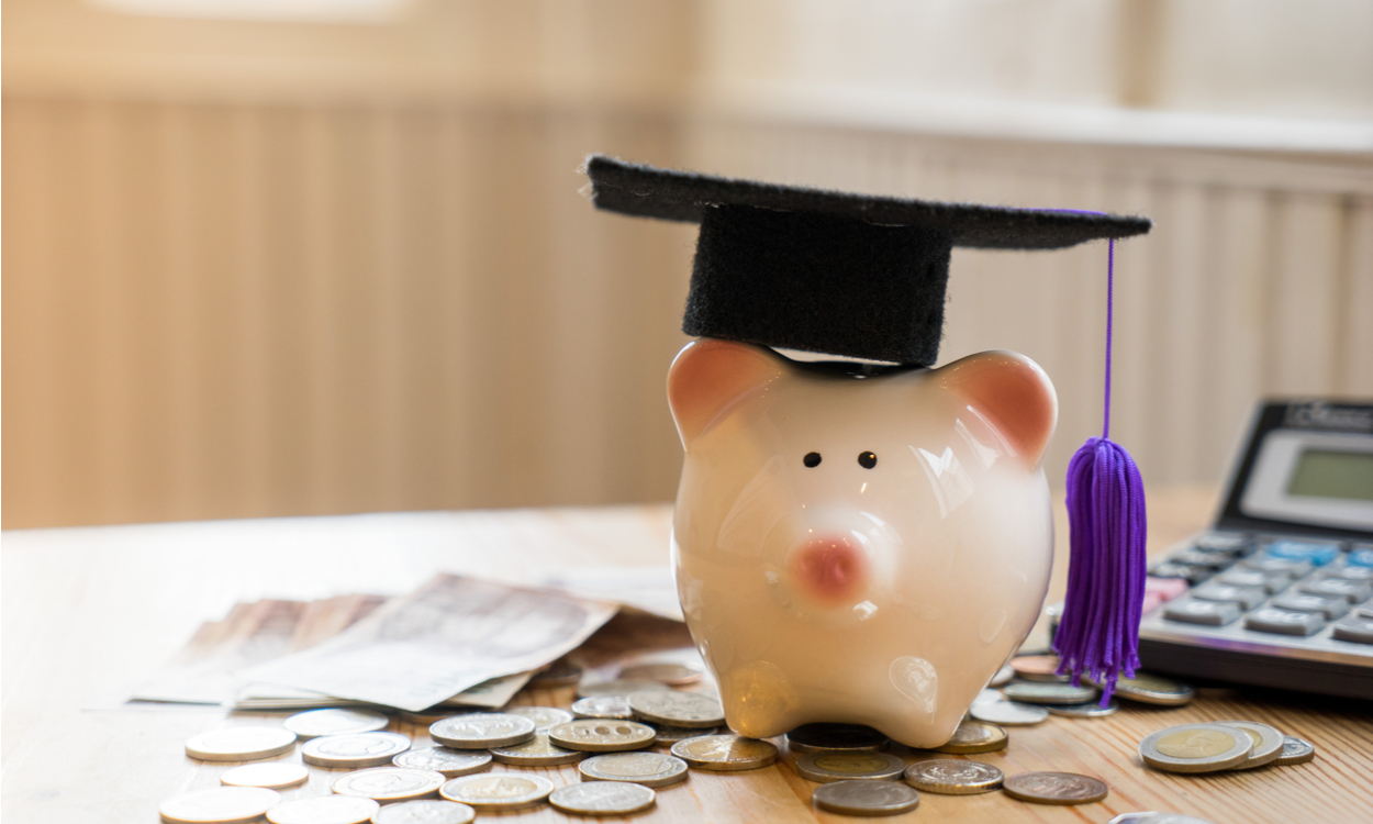 Working class students struggle to afford degree costs