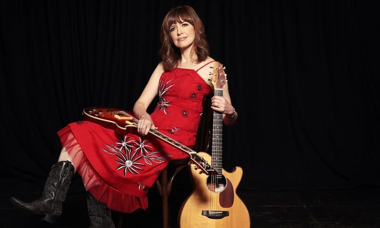 Folk singer Sarah McQuaid to kick off tour in Penzance